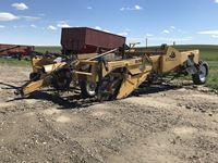 2000 Double L 851 4 Row Windrower