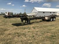 1982 Fracmaster  41 T/A Trailer Chassis