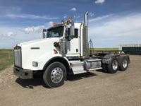 2013 Kenworth T800 T/A Day Cab Truck Tractor