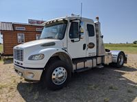 2006 Freightliner M2106 Business Class S/A Truck Tractor