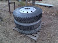 (21) 11R22.5 Tires