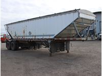 2000 Advance  T/A Grain Trailer