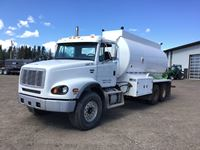2004 Freightliner FL112 T/A Water Truck