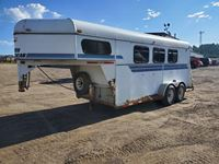 1999 American Trailer Mfg. North American 16 Ft T/A Horse Trailer