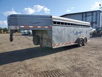 2000 Southland Welding  20 Ft T/A Horse Trailer