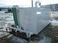 2000 gallon Water Tank with Pump