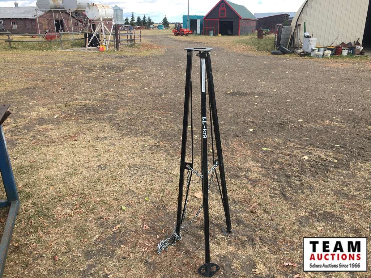 Tripod Hitch Stability Stand